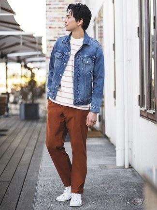 How to wear: white low top sneakers, tobacco chinos, white and red horizontal striped crew-neck t-shirt, blue denim jacket