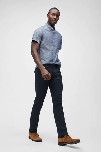 Men's Looks & Outfits: What To Wear In Summer: For a laid-back look with a clear fashion twist, wear a light blue chambray short sleeve shirt with black jeans. Dial up your whole outfit with tobacco suede derby shoes. It is actually possible to remain fresh yet pulled-together under the sweltering heat, and this ensemble is proof of just that