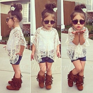 How to wear: tobacco uggs, navy denim shorts, white lace t-shirt