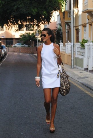 How to wear: black sunglasses, grey snake leather tote bag, beige leather wedge sandals, white shift dress