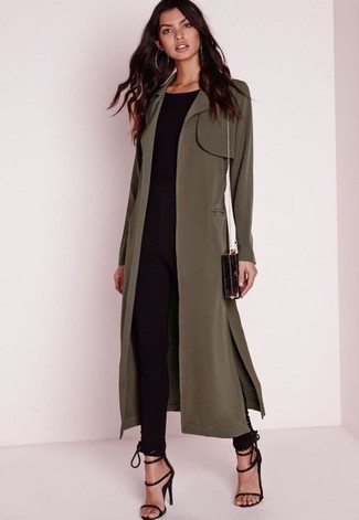 This combination of a Stella McCartney women's Oversized Trench Coat and black skinny pants is perfect for a night out or smart-casual occasions. Finish off this outfit with black suede heeled sandals. You can bet this ensemble will be your everything when chillier weather arrives.