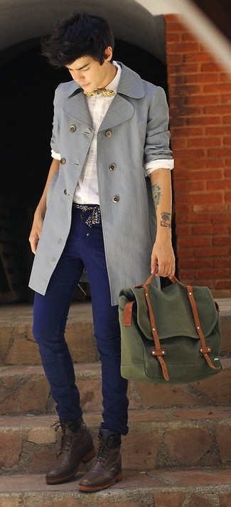 A trenchcoat and navy jeans paired together are a total eye candy for those who prefer elegant styles. Wearing a pair of dark brown leather dress boots is a simple way to add some flair to your look. So if you're after a look that's sharp but also entirely spring_friendly, this one fits the task well.