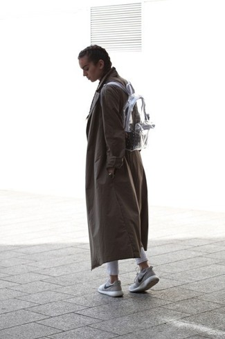 If it's comfort and practicality that you're searching for in an outfit, dress in a dark grey trenchcoat and grey slim jeans. Break up your look with more casual footwear, such as this pair of grey running sneakers. This outfit is a pretty savvy pick, especially for autumn, when the temperature is starting to drop.
