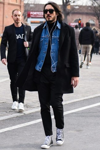 How to wear: black chinos, black turtleneck, blue denim jacket, black overcoat