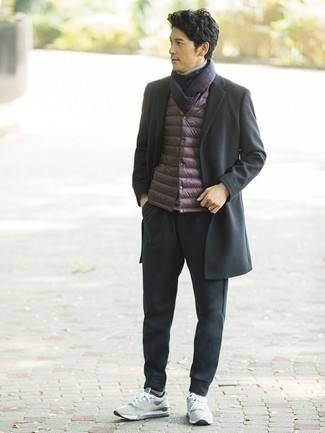 How to wear: black sweatpants, grey turtleneck, burgundy gilet, black overcoat
