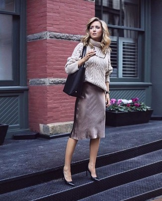 How to wear: beige knit wool turtleneck, brown pencil skirt, black leather pumps, black leather tote bag