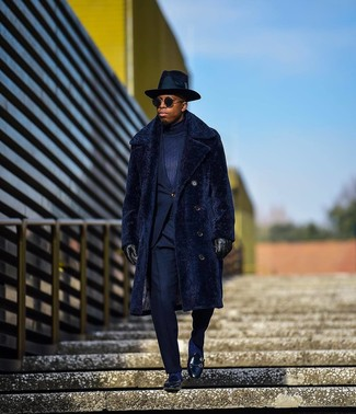 How to wear: black leather loafers, navy turtleneck, navy suit, navy fur coat