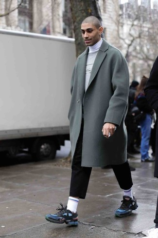 How to Wear a White Turtleneck For Men: Putting together a white turtleneck with black chinos is a great choice for a relaxed yet on-trend outfit. If you wish to immediately play down your look with footwear, complement your look with navy athletic shoes.