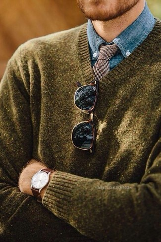 How to wear: olive v-neck sweater, blue chambray dress shirt, brown houndstooth wool tie, dark brown sunglasses