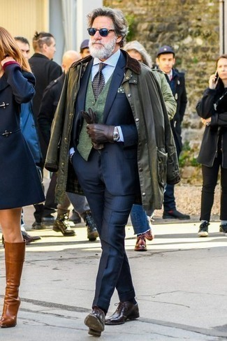 Men's Looks & Outfits: What To Wear In a Dressy Way: An olive barn jacket looks especially elegant when teamed with a navy suit. Add burgundy leather oxford shoes to the equation for an extra touch of sophistication.