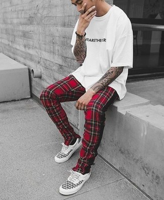 How to wear: white and black low top sneakers, red plaid sweatpants, white and black print crew-neck t-shirt