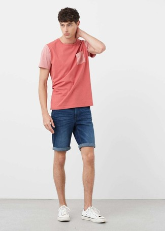 How to wear: white canvas low top sneakers, blue denim shorts, pink crew-neck t-shirt