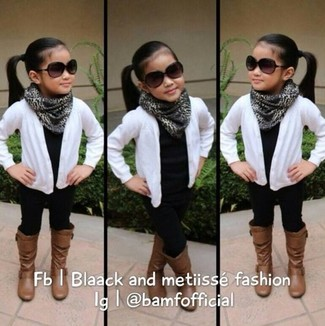 How to wear: white cardigan, black t-shirt, black leggings, brown boots