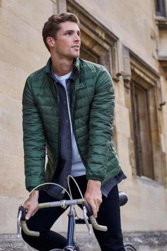How to wear: black skinny jeans, white crew-neck t-shirt, navy denim shirt, dark green puffer jacket
