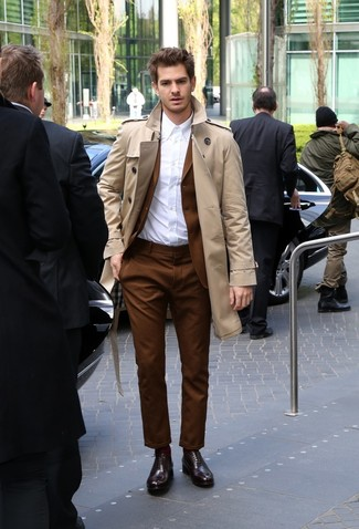 How to wear: burgundy leather oxford shoes, white dress shirt, brown suit, tan trenchcoat