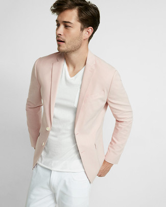 How to wear: white jeans, white v-neck t-shirt, pink blazer