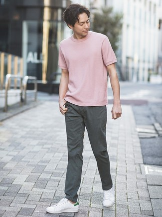 How to wear: white leather low top sneakers, charcoal chinos, pink crew-neck t-shirt