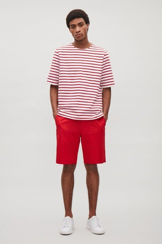 How to wear: white leather low top sneakers, red shorts, white and red horizontal striped crew-neck t-shirt