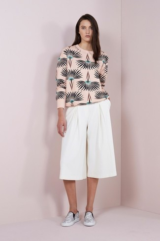 How to wear: white leather slip-on sneakers, white culottes, pink print crew-neck sweater
