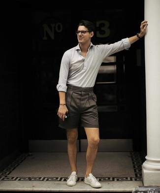 How to wear: white low top sneakers, dark brown shorts, grey polo