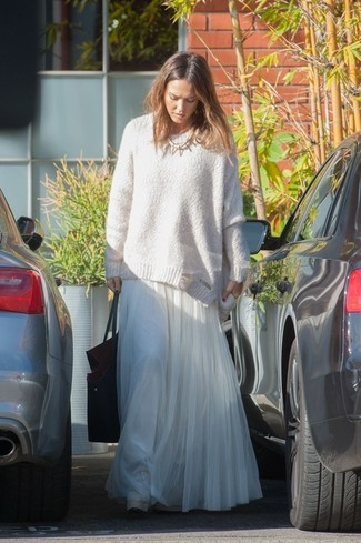 Jessica Alba wearing White Oversized Sweater, White Pleated Chiffon Maxi Skirt, Black Leather Tote Bag, Gold Necklace