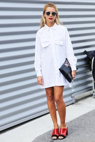 Who said you can't make a style statement with a casual outfit? Draw the attention in a white shirtdress and a bag. Red leather mules will add elegance to an otherwise simple look. You're sure to always look great even despite the scorching heat if you keep this outfit as your go-to formula.
