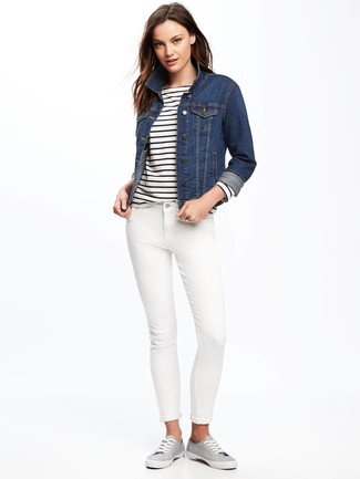 How to wear: grey canvas low top sneakers, white skinny jeans, white and navy horizontal striped long sleeve t-shirt, navy denim jacket