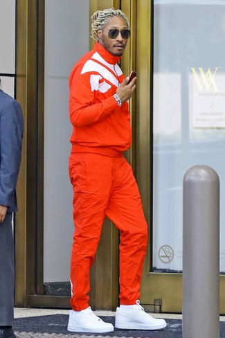 How to wear: white socks, white leather low top sneakers, orange track suit
