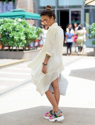 How to wear: white linen tunic, white shorts, multi colored leather flat sandals, gold sunglasses