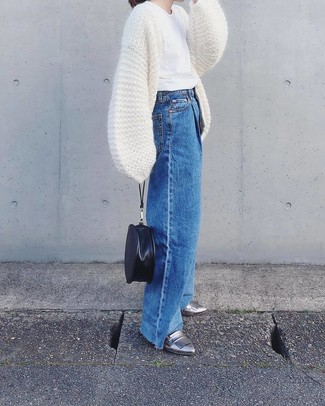 How to wear: silver leather loafers, blue denim wide leg pants, white crew-neck t-shirt, white knit open cardigan