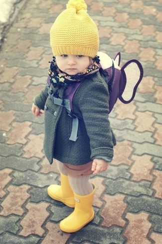 How to wear: yellow beanie, yellow rain boots, dark green coat
