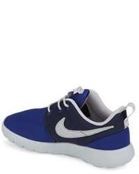 Nike Boys Roshe Run Sneaker
