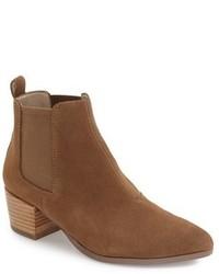 Vanity pointy toe chelsea boot medium 1248119