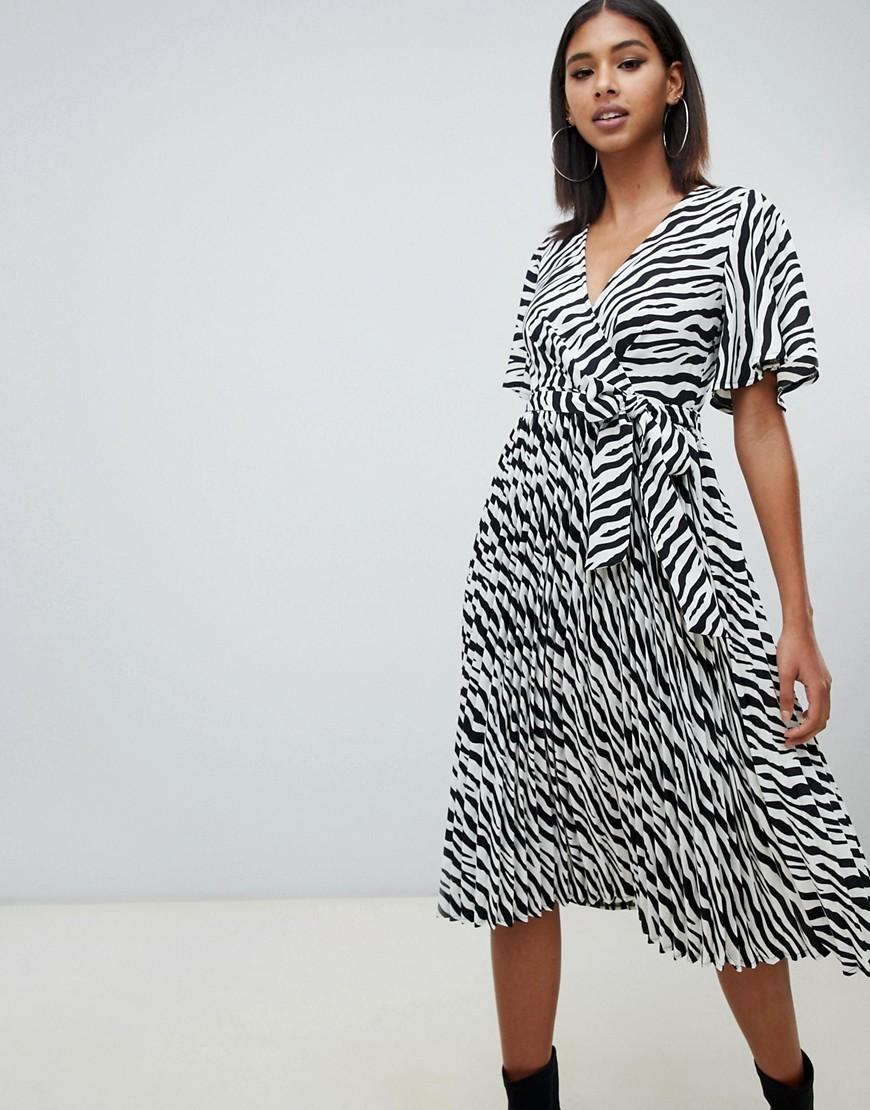 b497e681a4e8f Pretty Little Thing Black Midi Dresses
