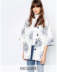 Kimono coat in blue and white large floral medium 814516
