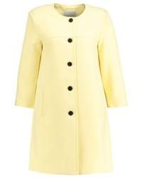 Short coat pale banana medium 4000525